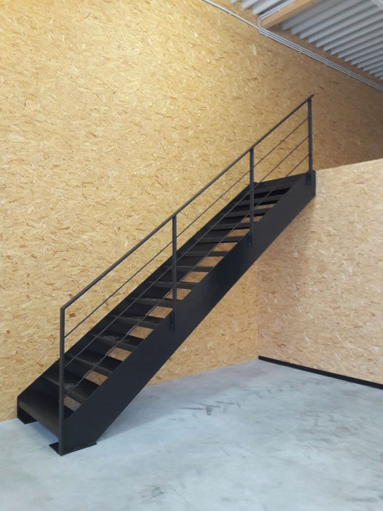 metalltechnik kuhn hamburg hausservice stahltreppen. Black Bedroom Furniture Sets. Home Design Ideas